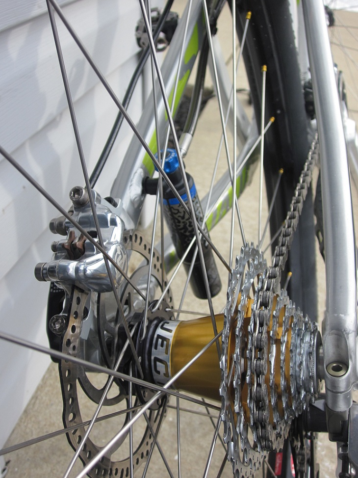 2011 Epic 29er with Lefty-rear-hub.jpg