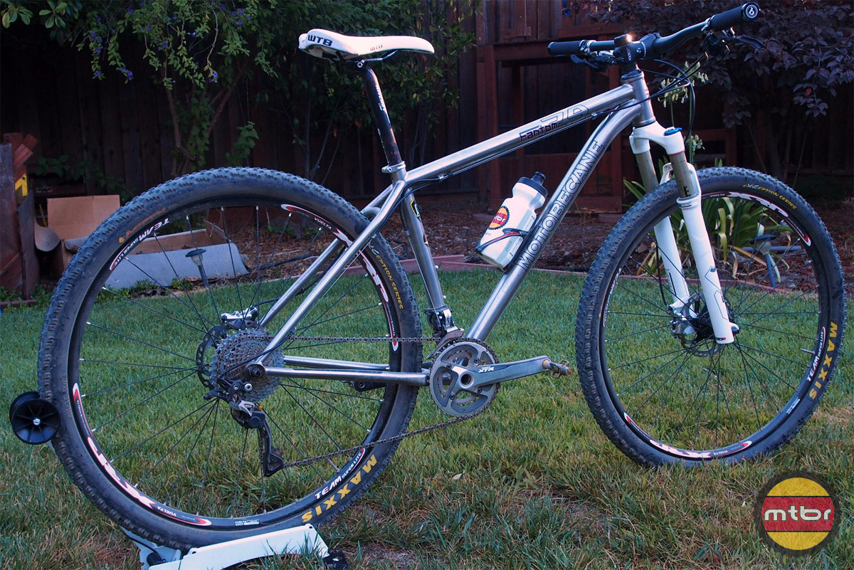Motobecane Fantom 29 Rear Quarter Profile