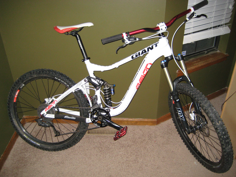 Let's see the 1200 to 2000 dollar AM bikes for new guys budget Am bikes-reign800.jpg