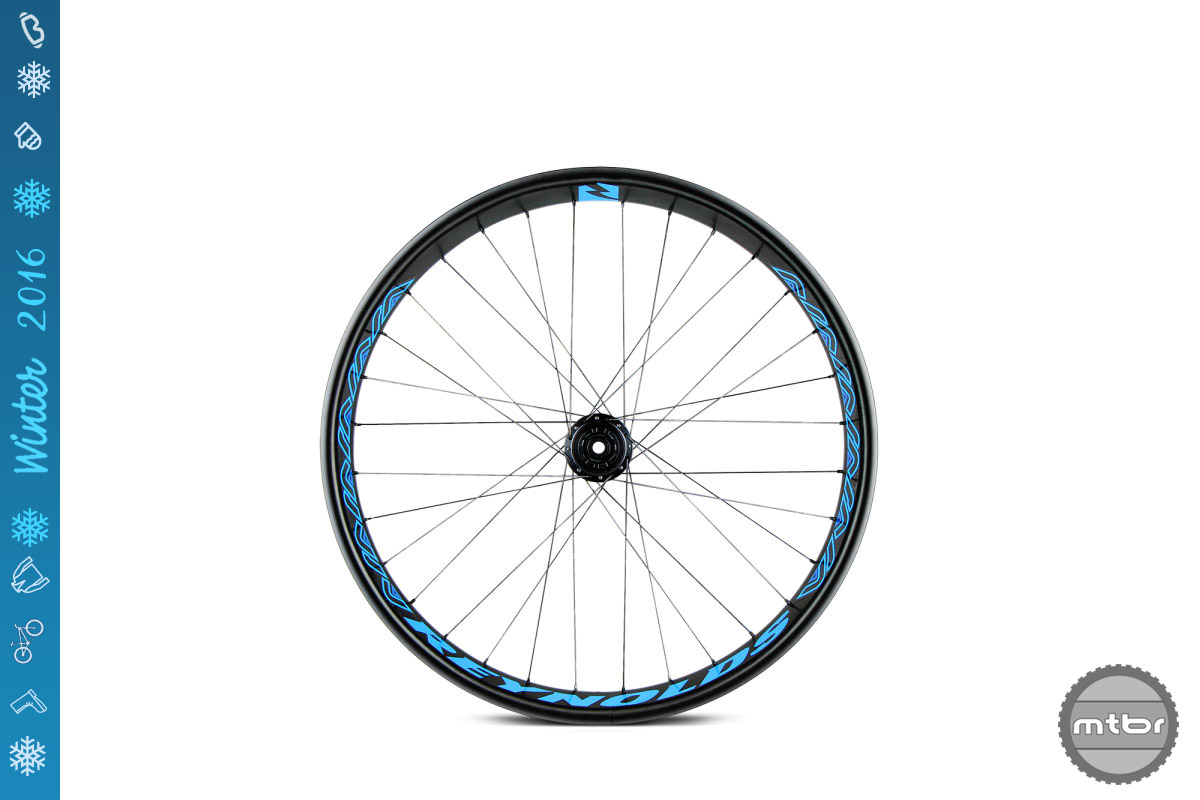 The fully tubeless rim channel allows for easy set up with a floor pump and creates a strong tire/rim interface allowing for burp free performance.