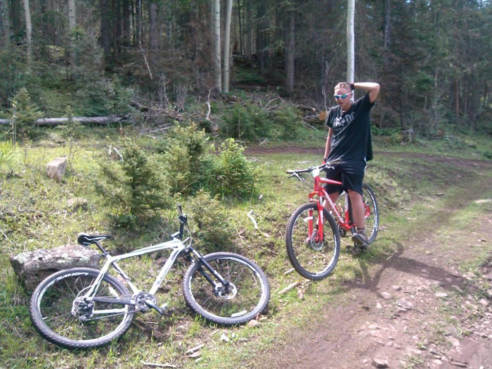 Riding an AM Hardtail on DH trails-rhson.jpg