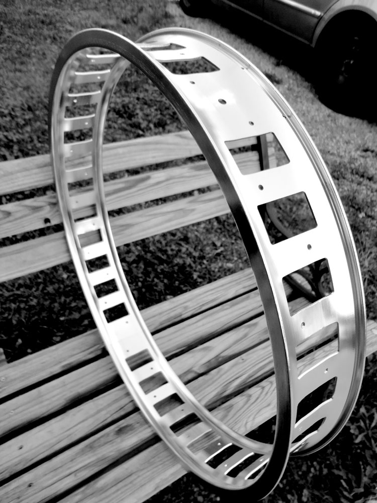Vertigo Cycles Fatbike-rim-one.jpg