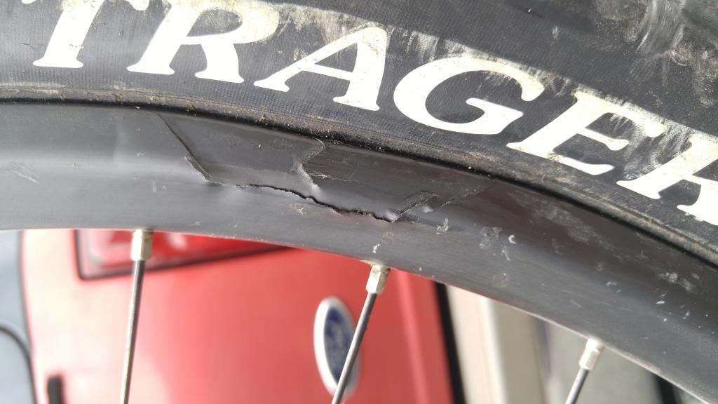 Light Bicycle Carbon Rims-rimfail.jpg