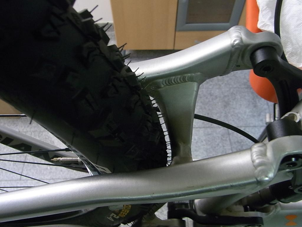Giant 2011 Reign 650b with photo-rimg0089.jpg