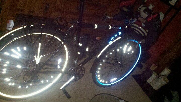 Project Beseen : Lets See That Reflective Tape!!-rimskin-bike.jpg