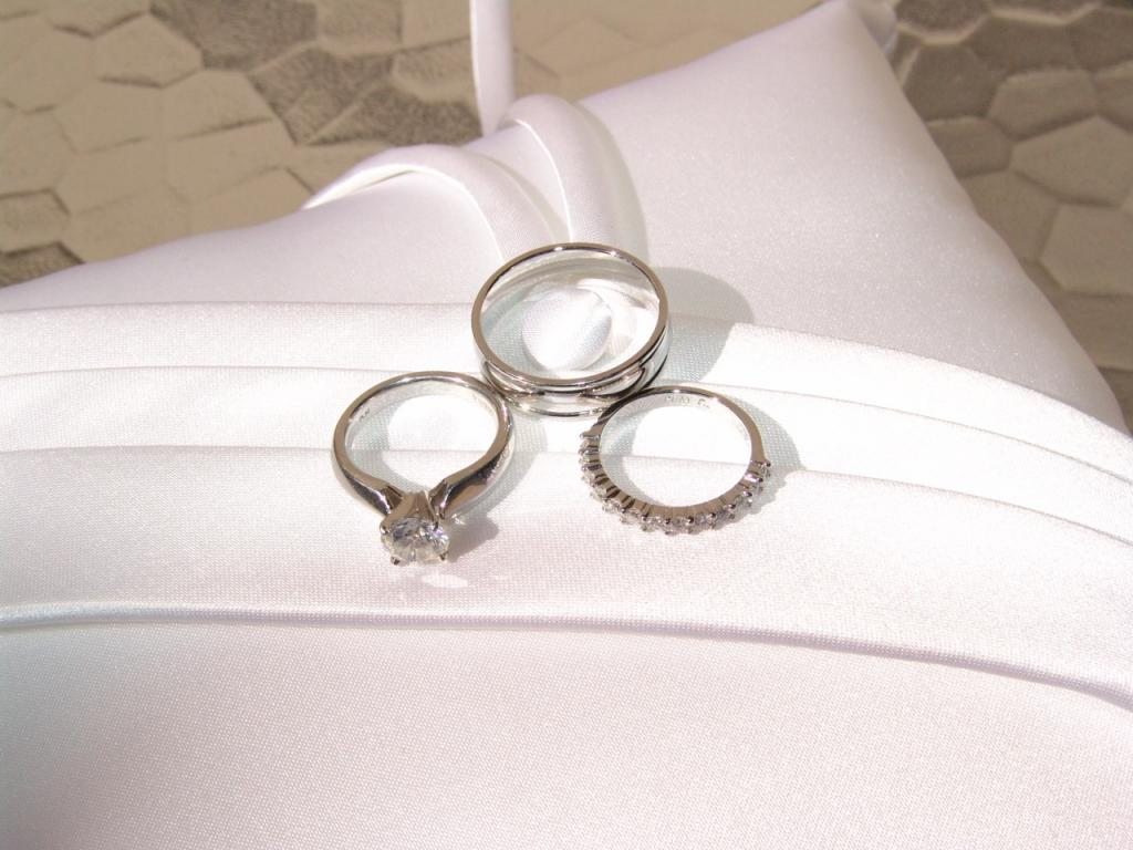 lost wedding ring at skeggs sun 429 ring1jpg - Lost Wedding Ring