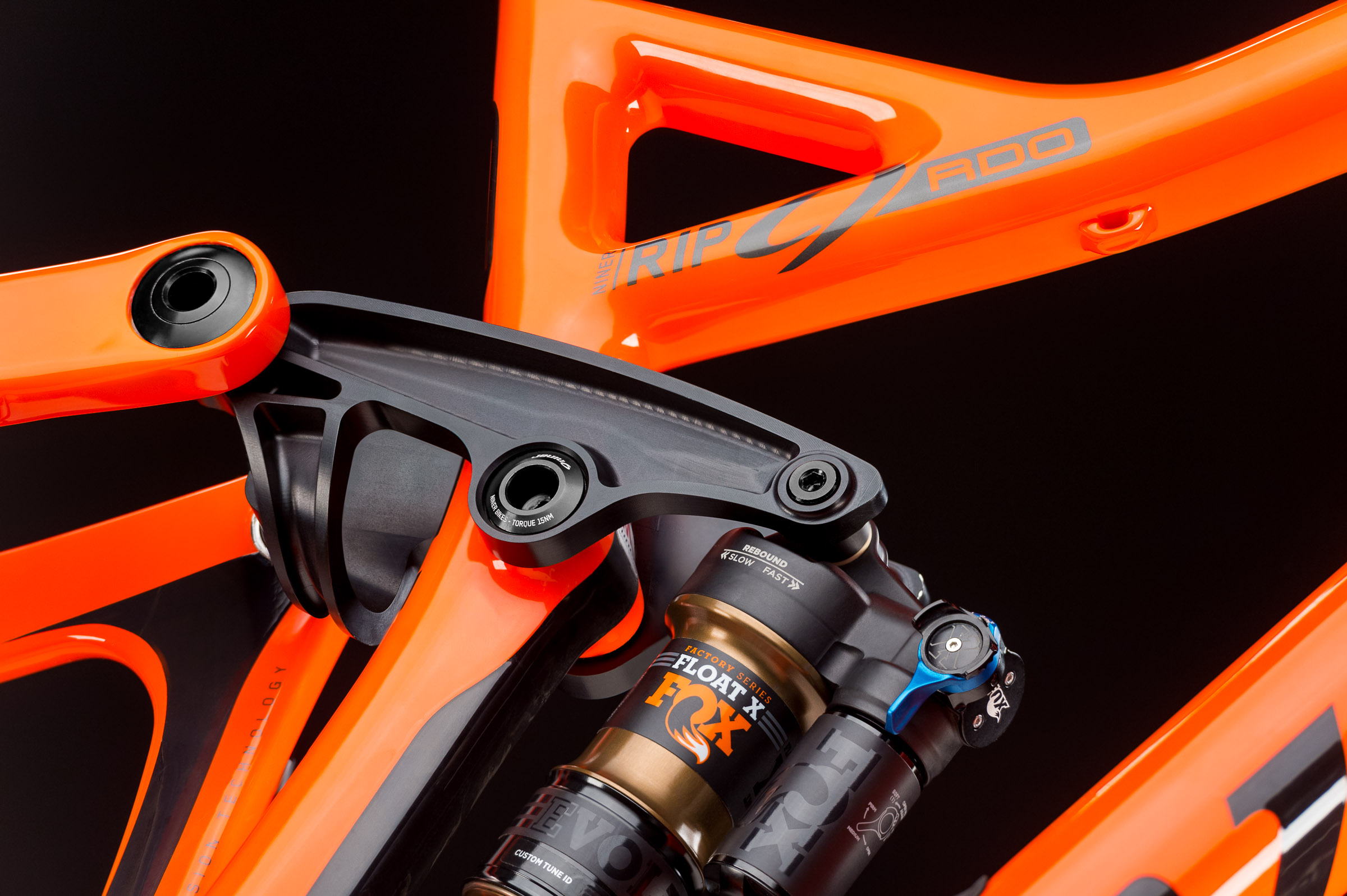 The RIP is built around Niner's patented Constantly Varying Arc (CVA) suspension, which is designed to remain fully active at all times. The system harnesses chain tension to counteract squat and bob, and the pair of linkages rotate in opposite directions allowing them to react to both pedaling and terrain inputs independently of each other.