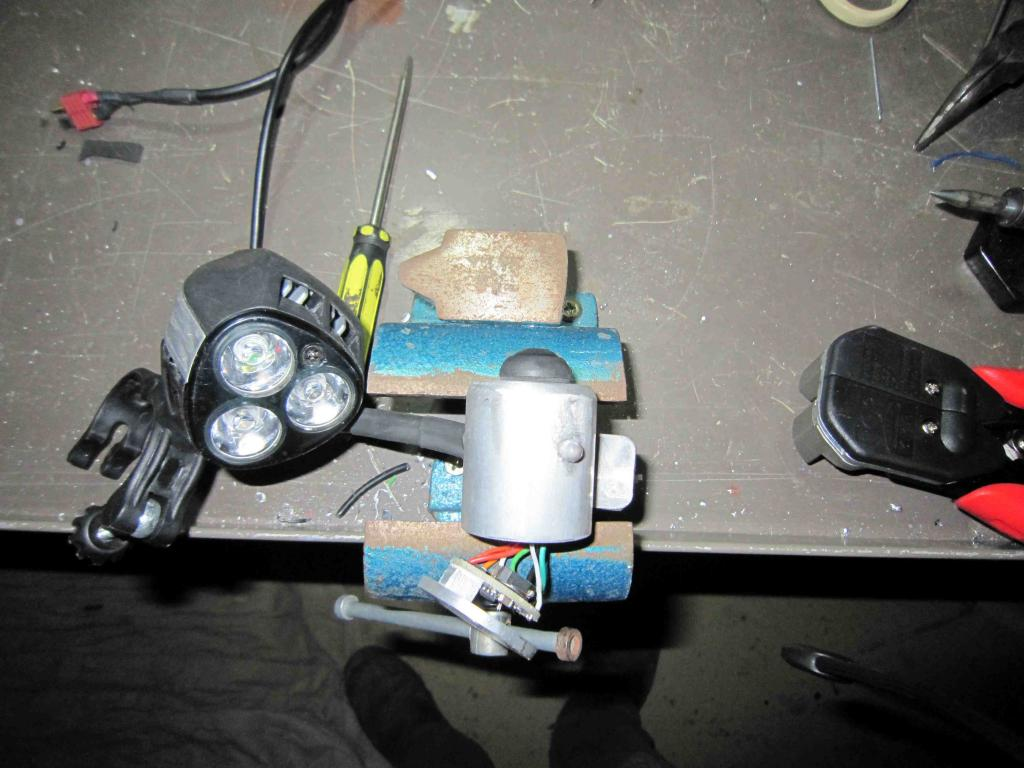 My Niteflux rebuild-rmeote-light.jpg