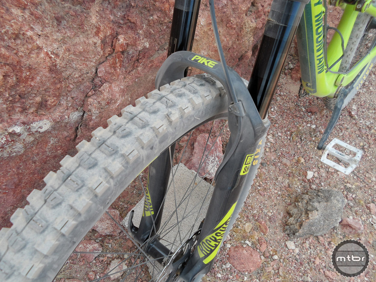 These aggressively knobbed, 2.3″ Minion DHRII tires hooked up really well in the loose dry conditions but were a bit slow rolling compared to the Ardents on the Intense Spider 29 Carbon on the faster, buffer sections. This 140mm Pike fork didn't have quite the small bump lushness of the Fox 34 Factory, but it was stiff, controlled, plush, and didn't bottom out easily.