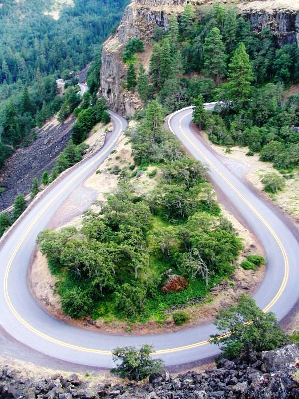Riding Up The Gorge?-rowena-2.jpg