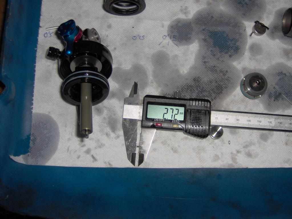 The Fox Float RP2(3) damper service thread: uncovering the secret.-