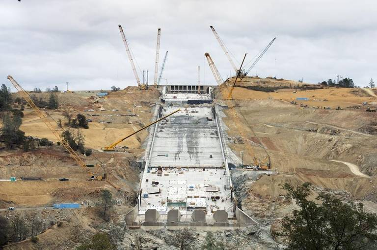OT: The Oroville Reservoir situation-rp_oroville_dam_spillway_ho.jpeg