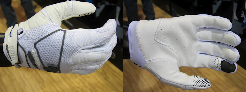 rr_turbulance_glove