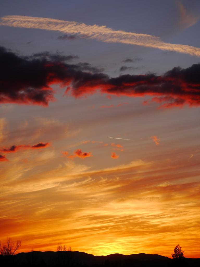 Sunrise or sunset gallery-rsp1000912.jpg