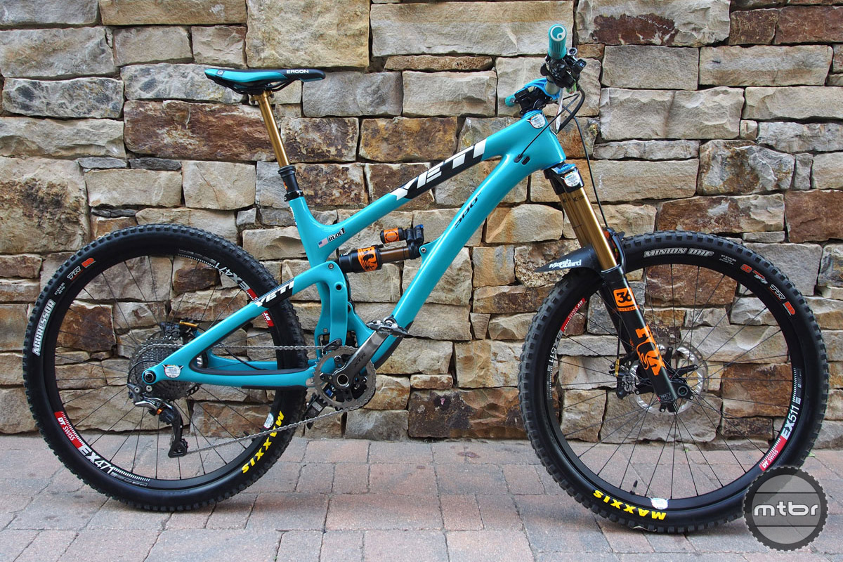 Richie Rude's size medium Yeti SB6c is one great looking enduro racing machine.
