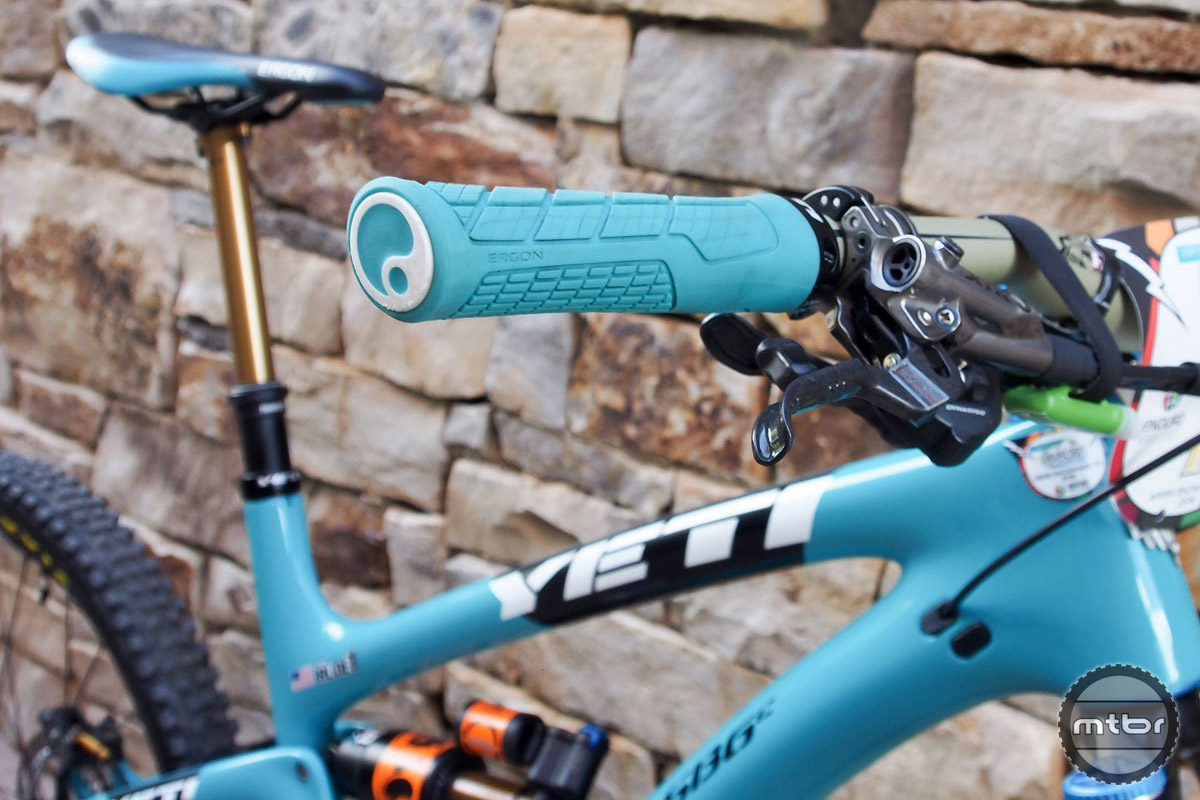 Grips are by Ergon, while Rude chooses Shimano Saint brake levers attached to a 740mm Renthal Fatbar.
