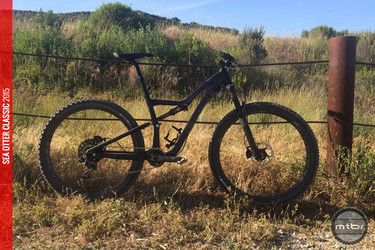 This new trail bike allows women to pick between 29er and 27.5 wheels.