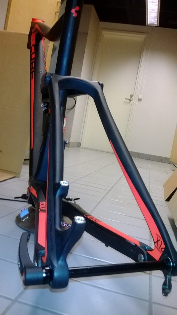 Cube Stereo super hpc SL 27.5 160mm build -> 24.2lbs / 11000g-runko.jpg