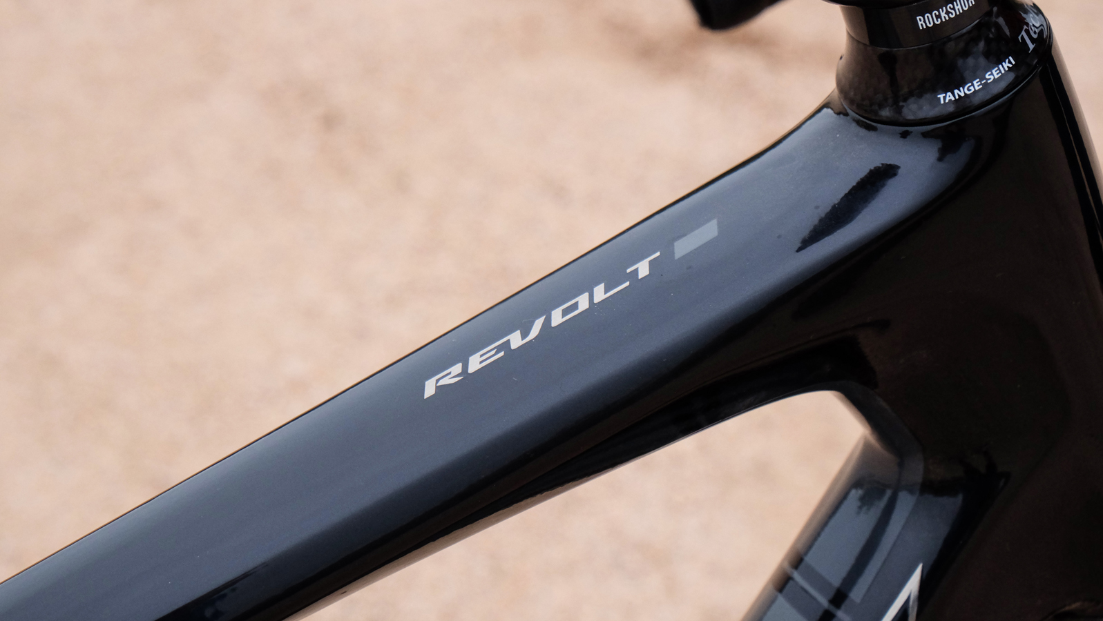 Giant introduced the updated Revolt with a focus on gravel in late 2018 for the 2019 model year.