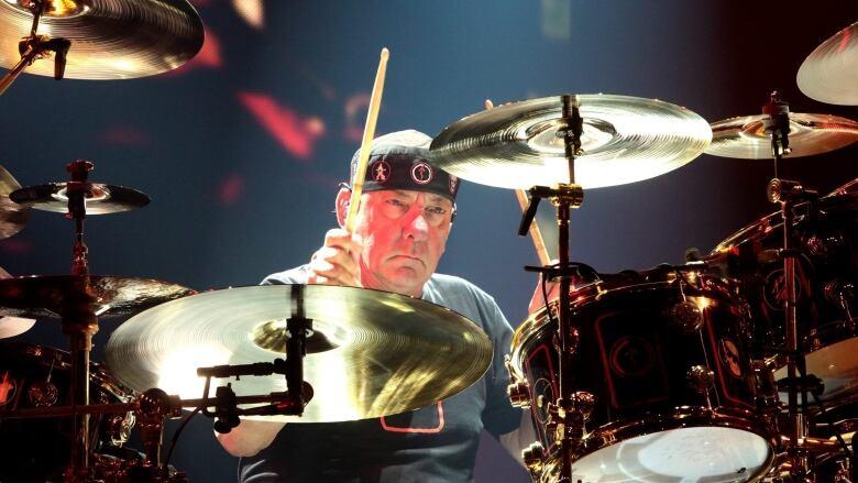 Neil Peart RIP-rush-concert-philadelphia.jpg