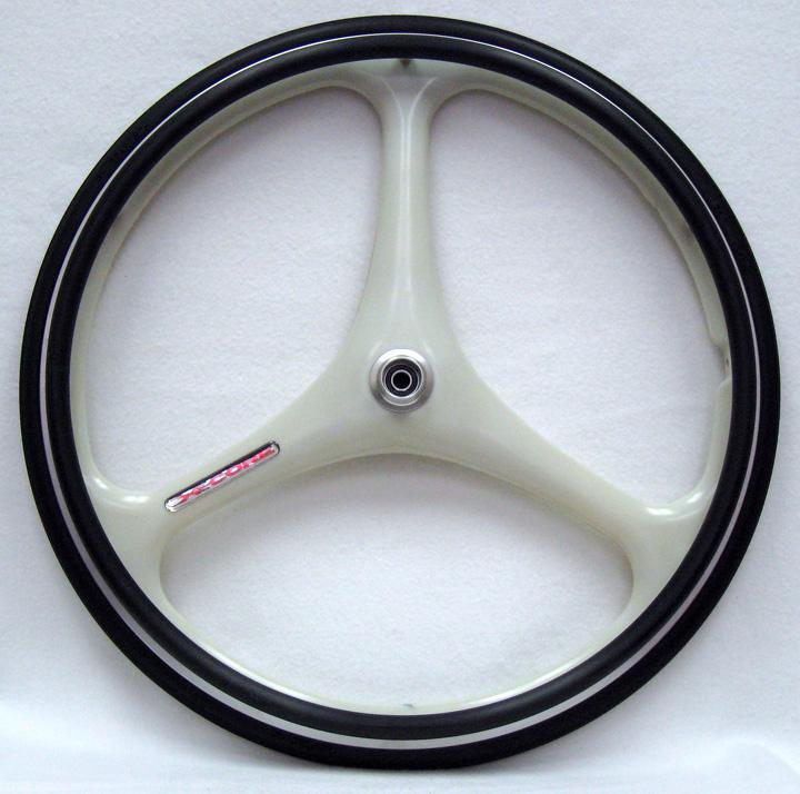 SPIN wheels (not Spynergy) tri-spoke - Rear hub or freehub???????????????????????????-rw595m.jpg