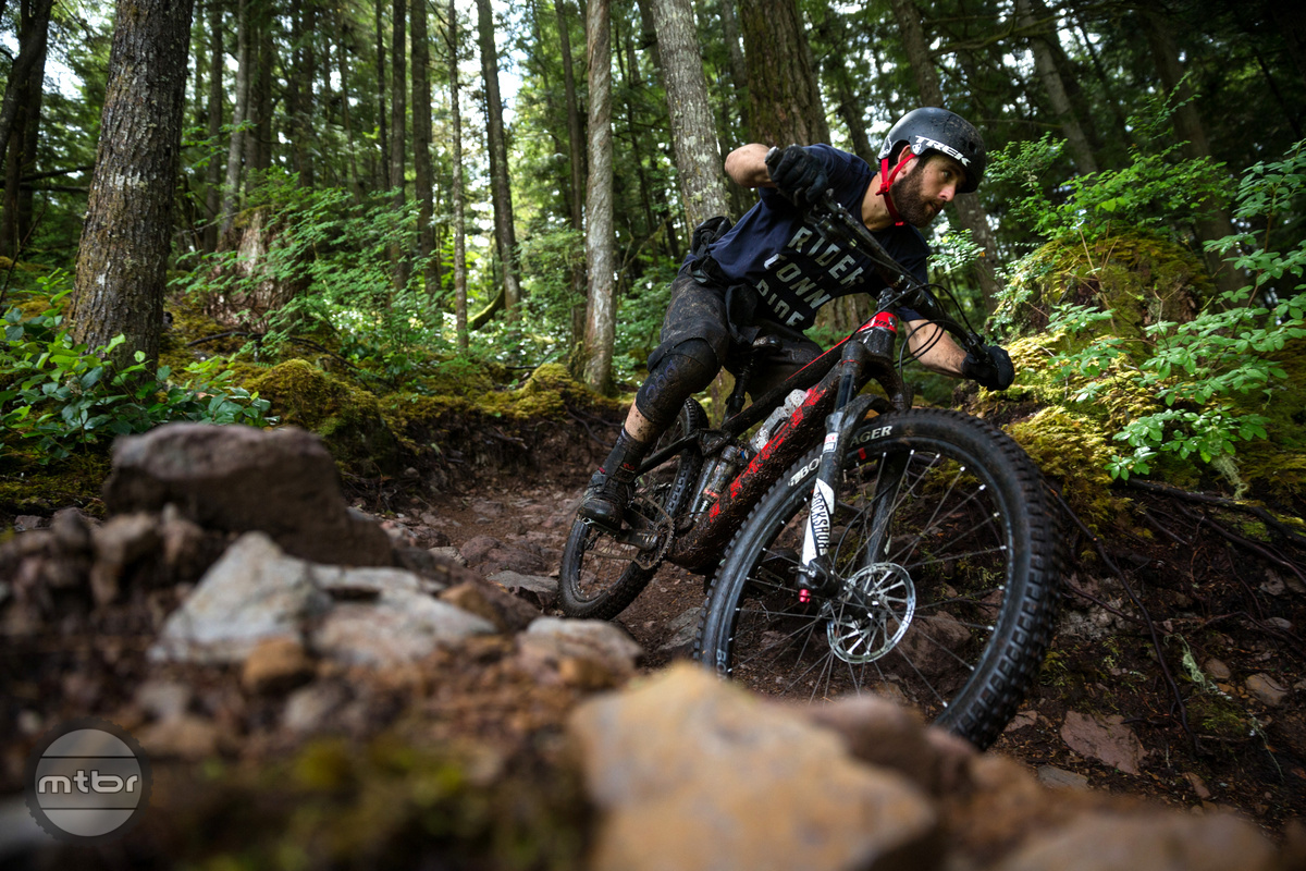 Ryan Howard leads the pack in the Squamish, BC trails.