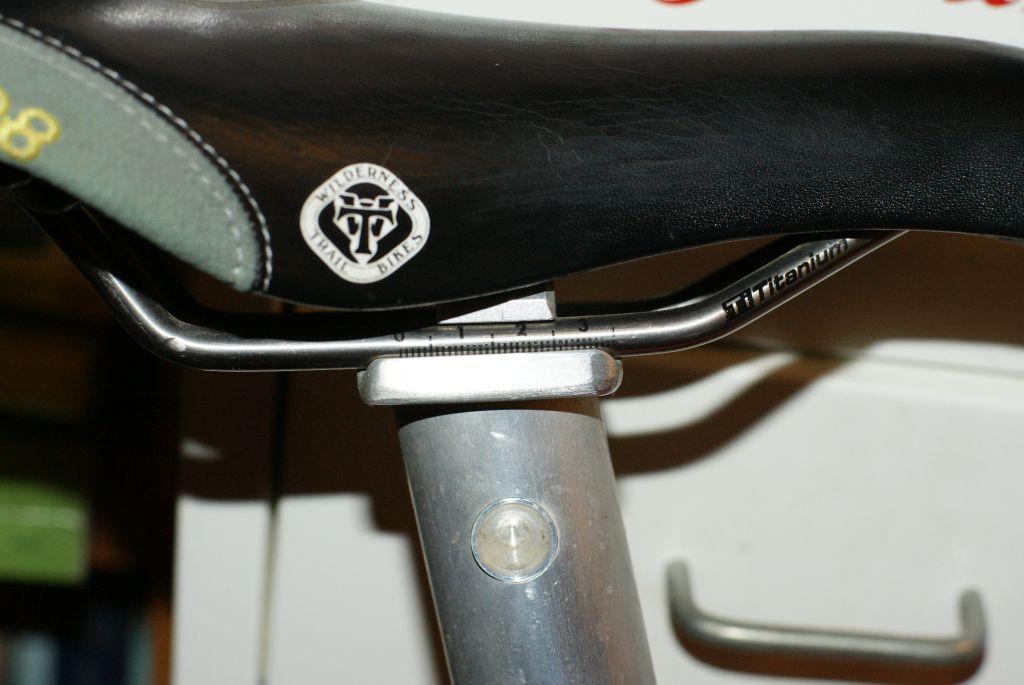 Prettiest sexyeste vintage seatposts.-saddle1.jpg
