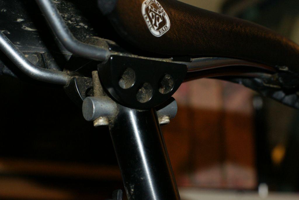 Prettiest sexyeste vintage seatposts.-saddle2.jpg