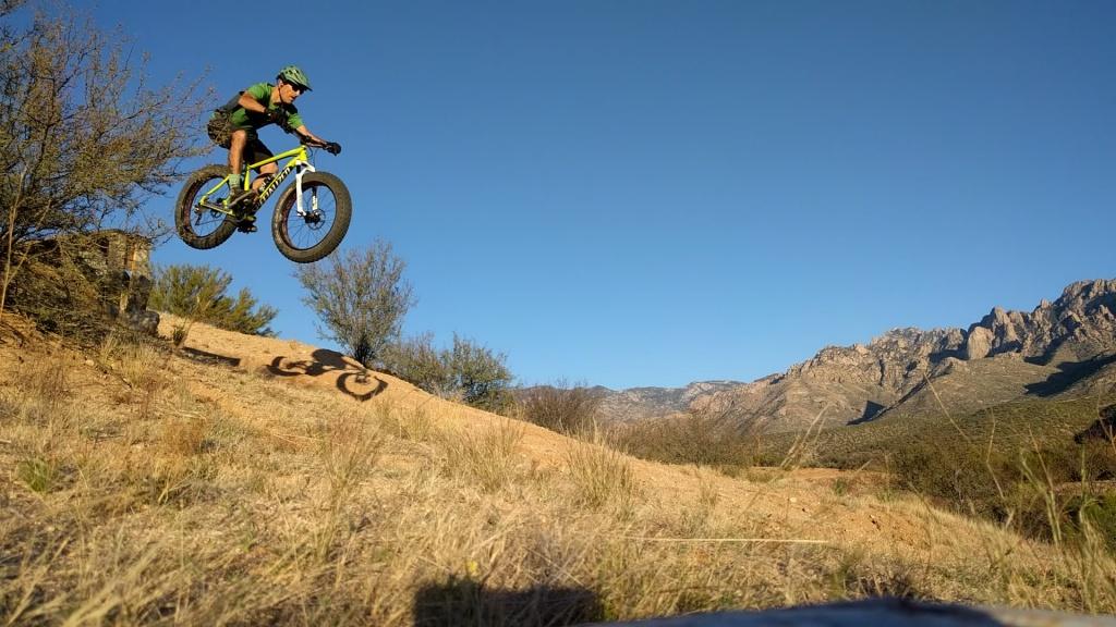 Fat Bike Air and Action Shots on Tech Terrain-sago01.jpg