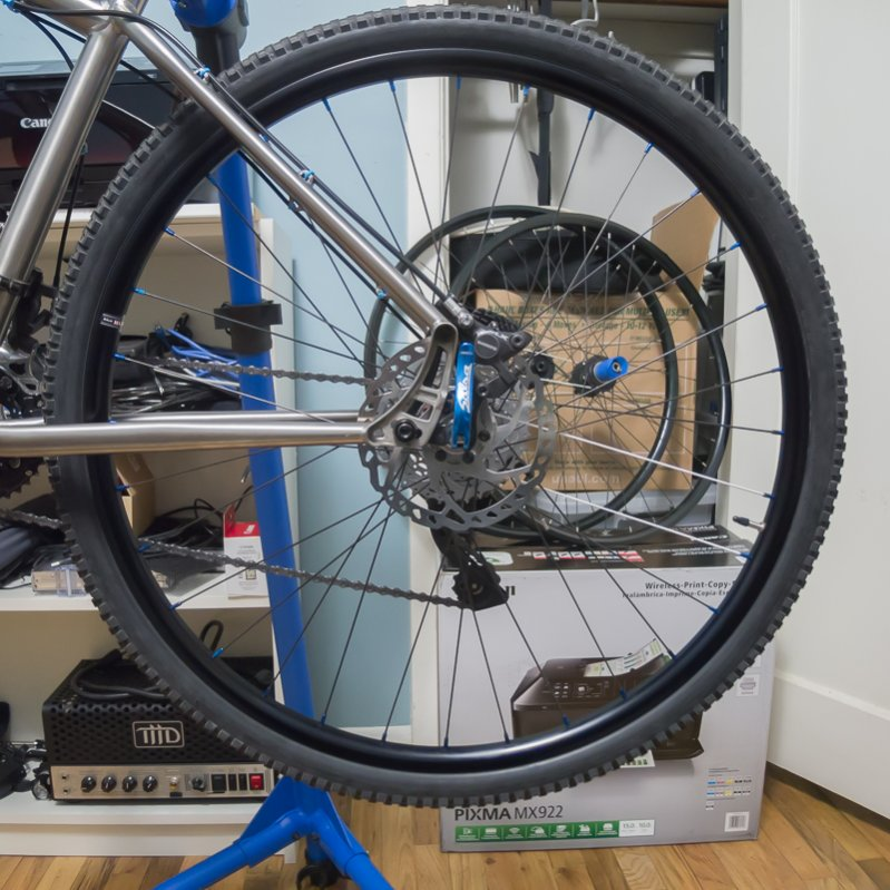 Lets see some blinged out wheelsets..I9,CK,Hope..anything goes!-sam_1240.jpg