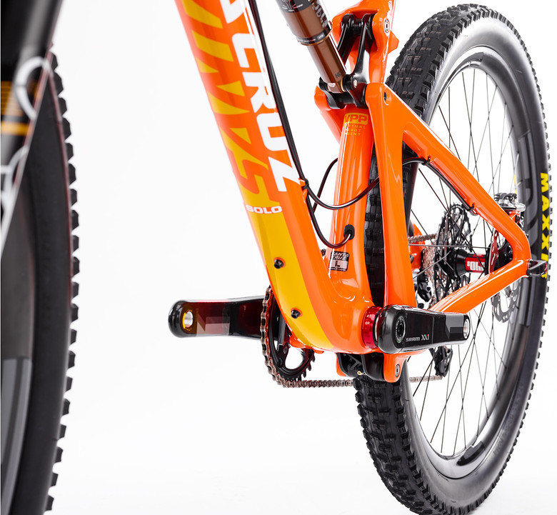 Frame protection for SOLO carbon-santa-cruz-solo-stealth-routing.jpg