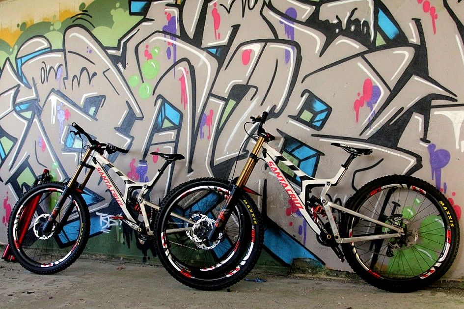 Twin Santa Cruz V10 29ers
