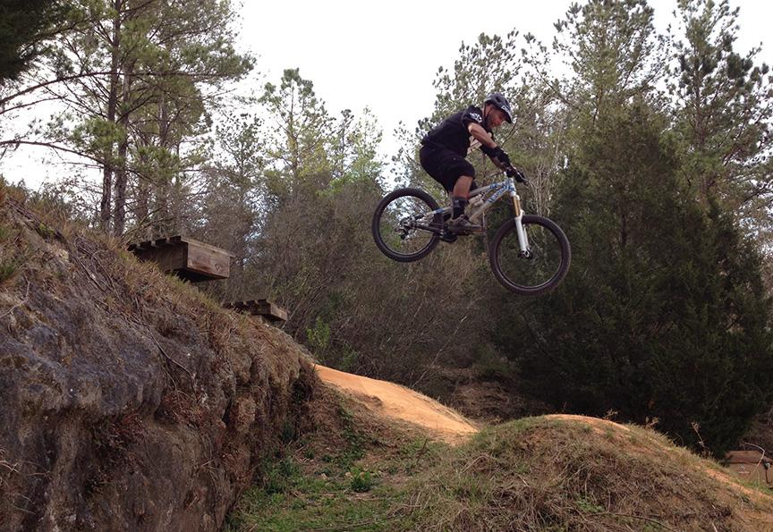 Good All Mountain Bike for Newb 00-00 Range-santos_sm.jpg