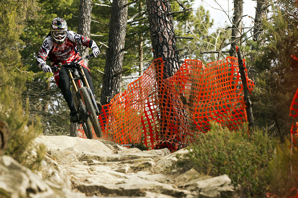 Santa Cruz Bicycles, Greg Minnaar, Steve Peat, Josh Bryceland, Fox, Shimano, O'Neal, Royal