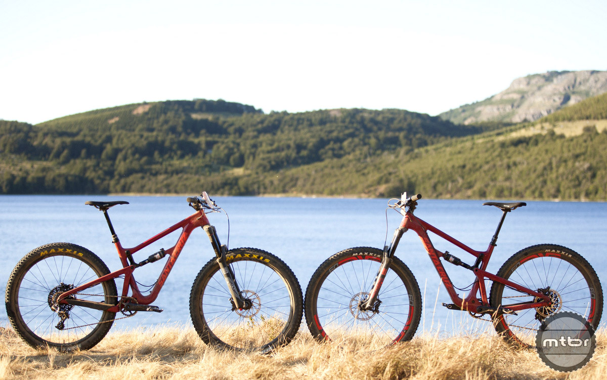 The two configurations are shown here with the 27.5 Plus on the left and 29er on the right.