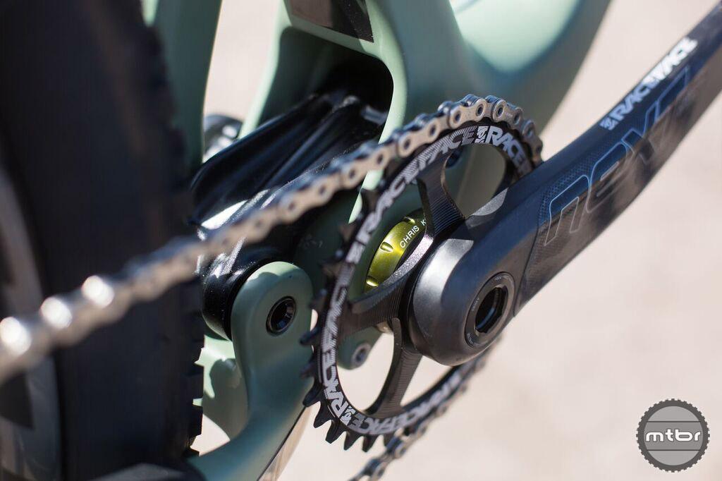 Since when did CK built 30mm threaded bottom brackets? Hmmmm.