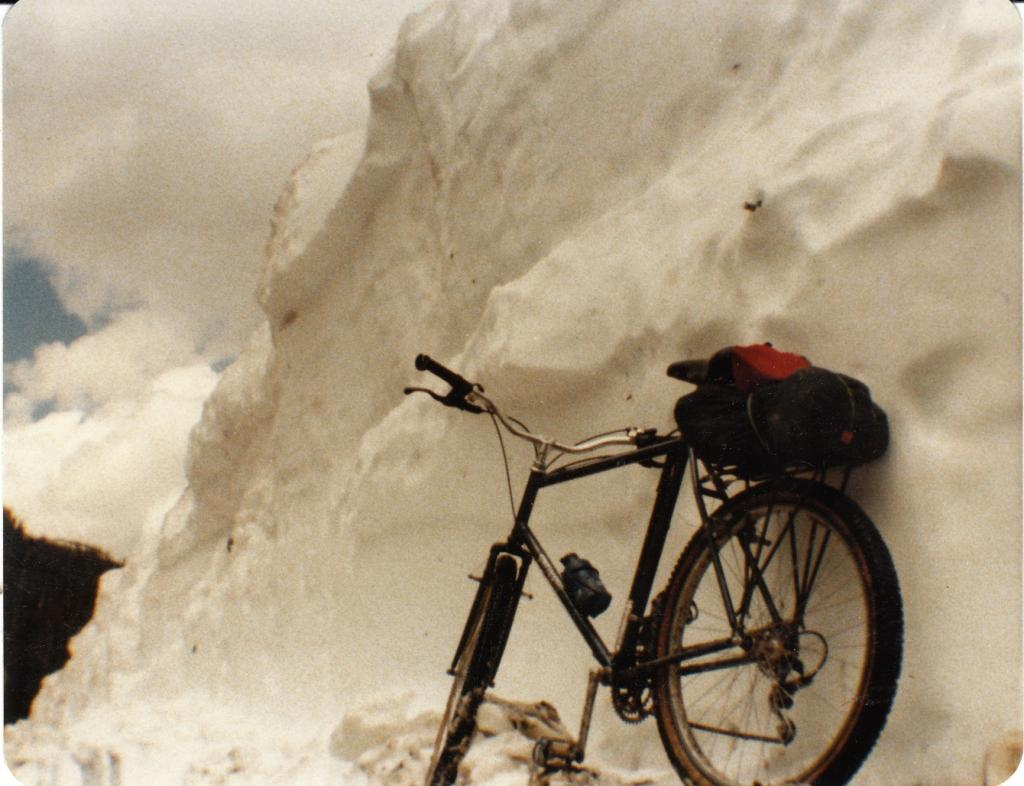 show us your stumpjumper HT-schofield-snow-1982.jpg