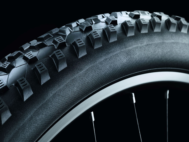 schwalbe_2013_rocket_ron_sidewall