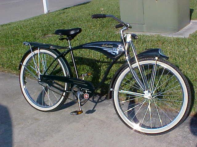 2560eef6e41 Old Schwinn Balloon Tire Bike ID- old schwinn bikes for sale