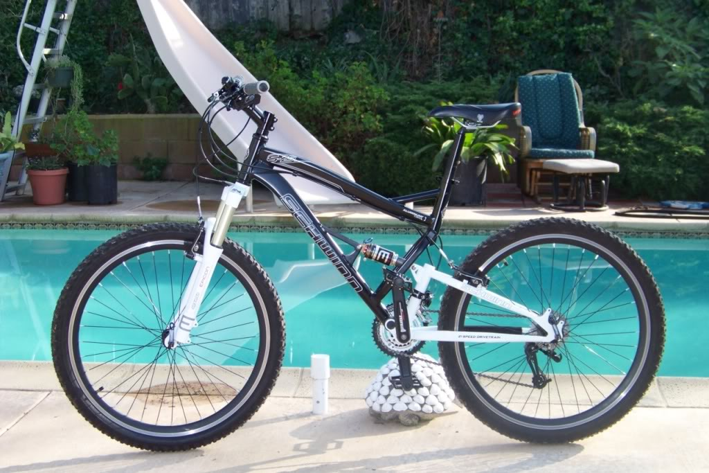Bici gama baja doble suspension / comprarle suspensiones con bloqueo-schwinn_upgraded.jpg