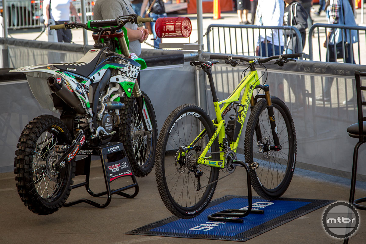 Scorpion Bike Stand Chad Reed
