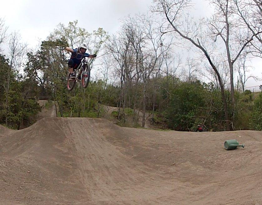 "Moving to Austin, should I sell my 180mm 26"" AM bike?-screen-shot-2014-03-21-1.11.23-pm.jpg"