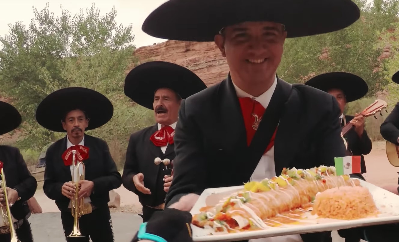 A nice 'whole enchilada' touch at the finish presented by the whole mariachi.