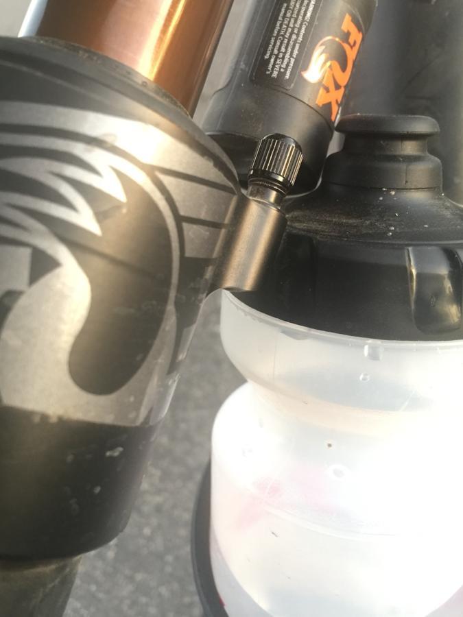 Specialized Enduro (Fox Float x2) - Water bottle help-screen-shot-2017-12-23-9.48.08-am.jpg
