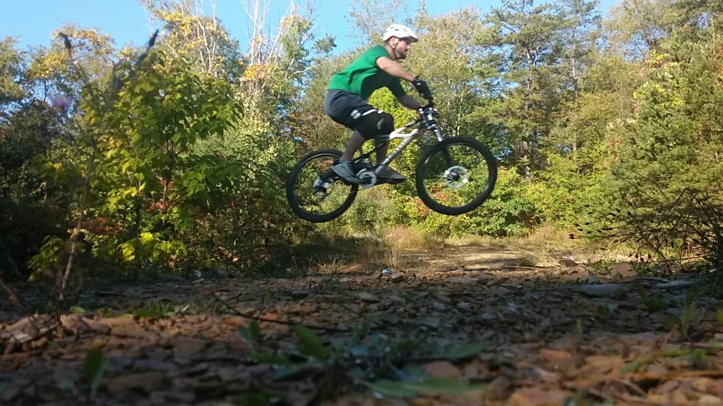 Show us a picture of your 26er MTB that you still use on the trails-screenshot_2014-09-27-09-46-57.jpg