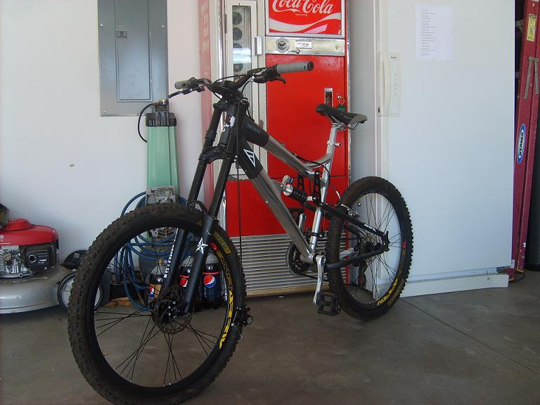 post your mongoose-sd532068.jpg