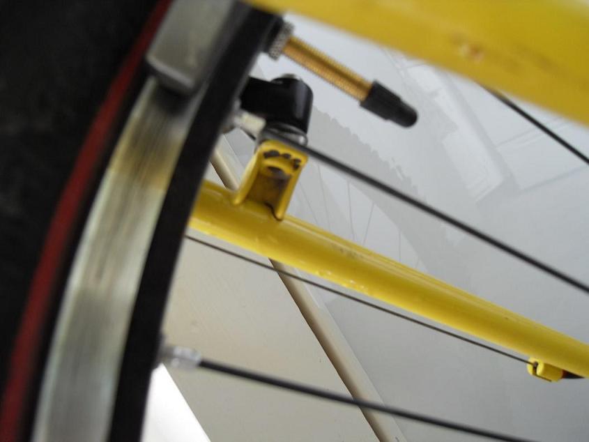Cracked brake boss on RM Altitude T.O.-sdc11802.jpg