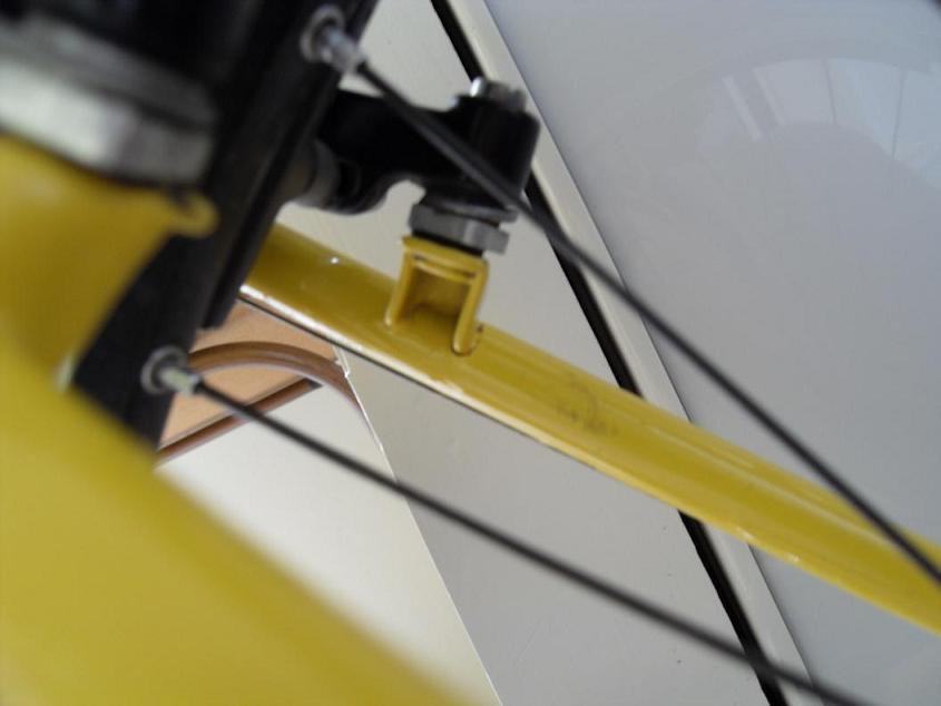 Cracked brake boss on RM Altitude T.O.-sdc11803.jpg