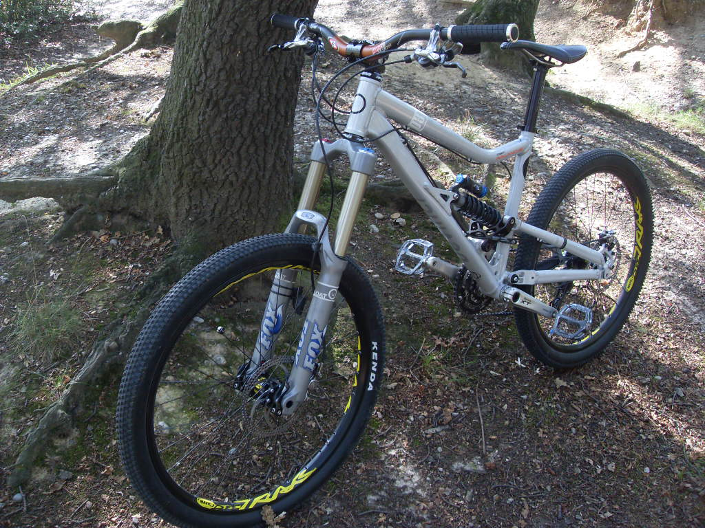 DeVinci Thread-sdc17677.jpg