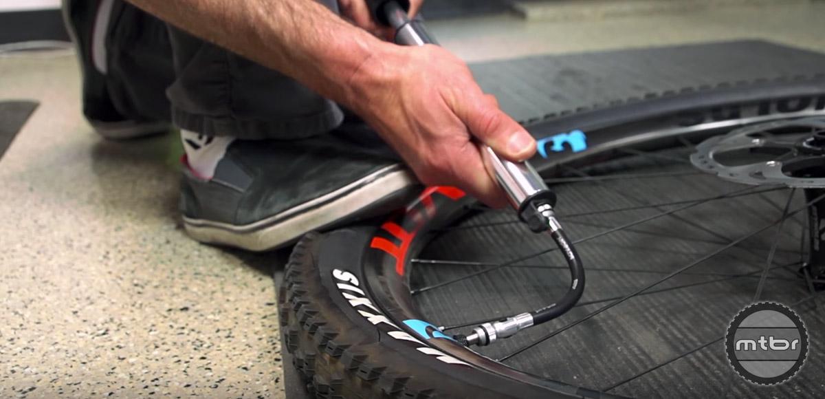 How to choose a mountain bike pump